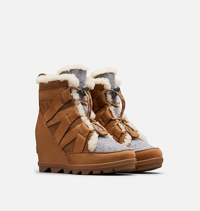 Sorel - Joan of Arctic Wedge II Cozy Boots in Camel Brown