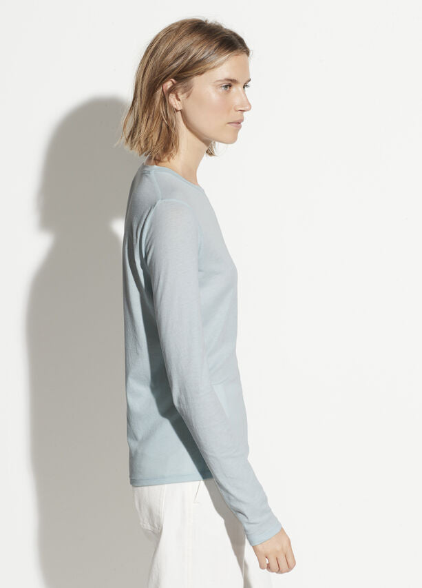 Vince - Essential Long Sleeve Crew in Skylark