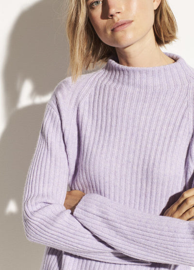Vince - Ribbed Raglan Mock Neck Sweater in Lily Stone