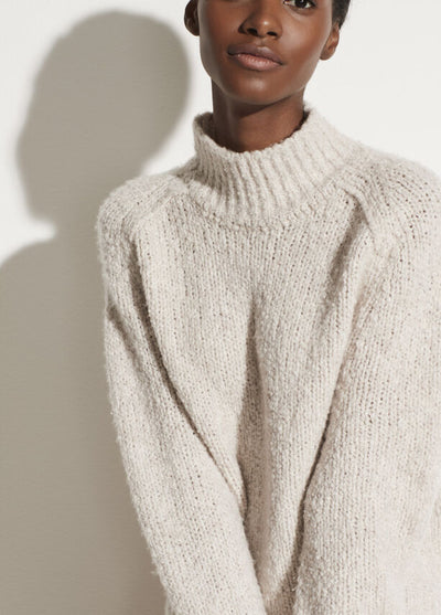 Vince - Textured Saddle Sleeve Turtleneck in Pearl Oat