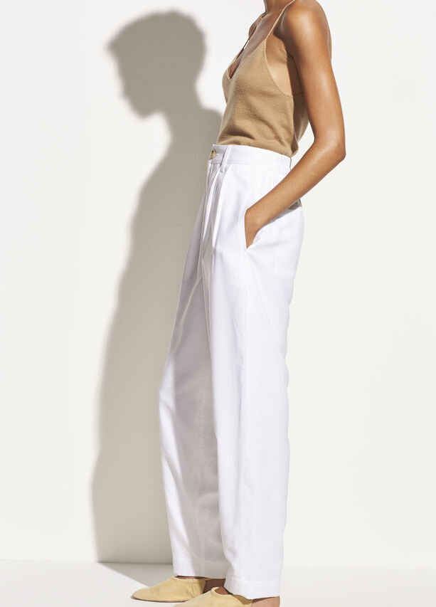 Vince - Pleat Front Tapered Trouser in Optic White