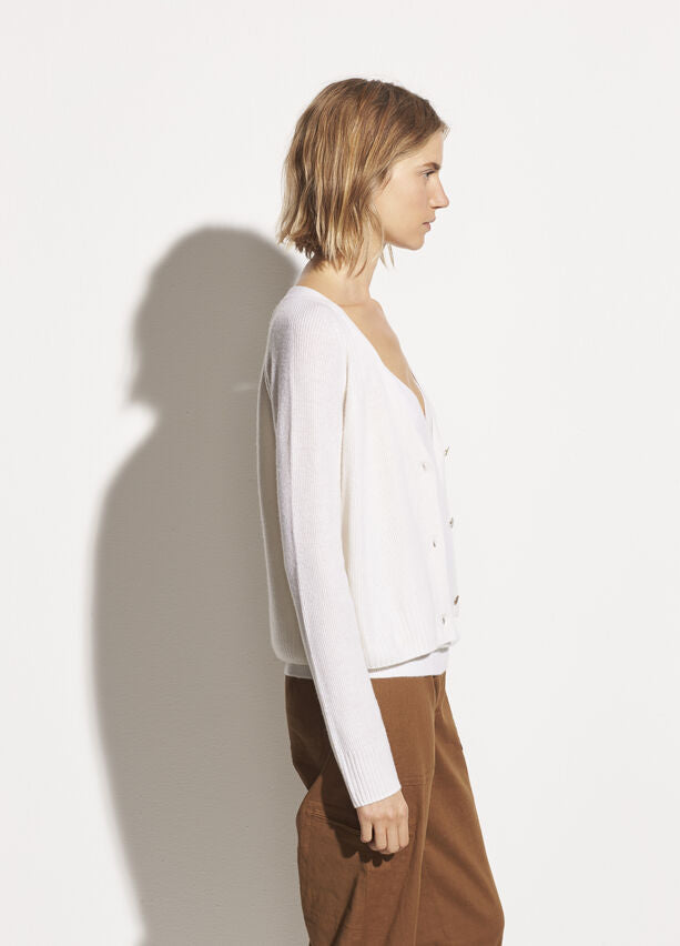 Vince - Ribbed Raglan Cardigan in Off White
