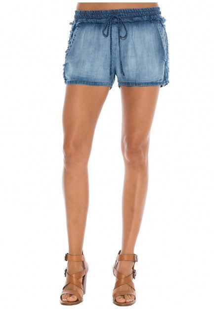 Bella Dahl Bella Dahl - Fray Side Shorts Cayman Wash at Blond Genius - 1
