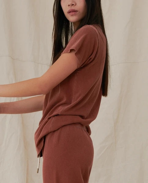 The Great - The Slim Tee in Carob
