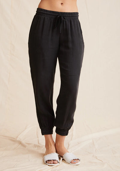 Bella Dahl - Easy Jogger in Vintage Black