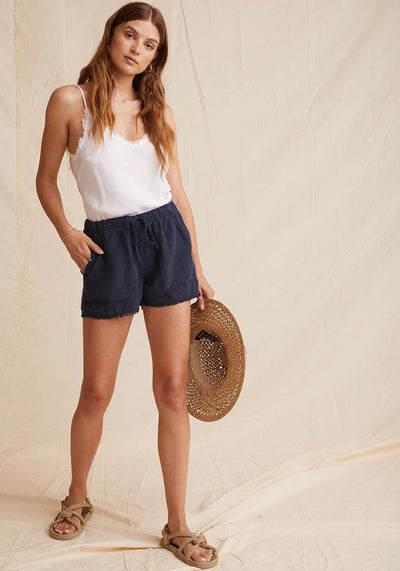 Bella Dahl - Fray Hem Pocket Short in Endless Sea
