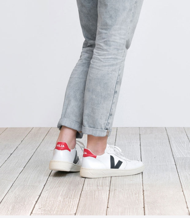 Veja Sneakers - V-10 Leather Extra White Nautico Pekin