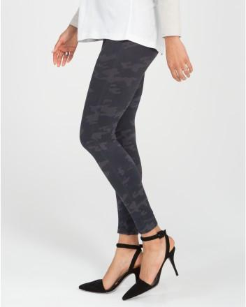 Spanx Spanx - Look at Me Now Leggings Black Camo at Blond Genius - 2