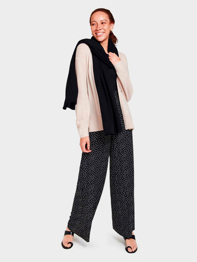 White + Warren - Mini Cashmere Travel Wrap in Black