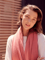 White + Warren - Cashmere Travel Wrap in Pink Opal Heather