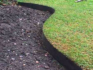 Core Flexible Steel Lawn and Garden Edging in Black - Henderson Garden Supply