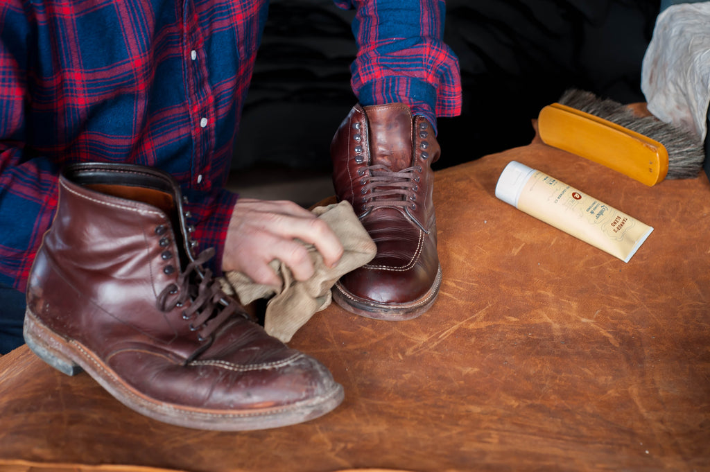 Remove salt stains from Alden Indy boots