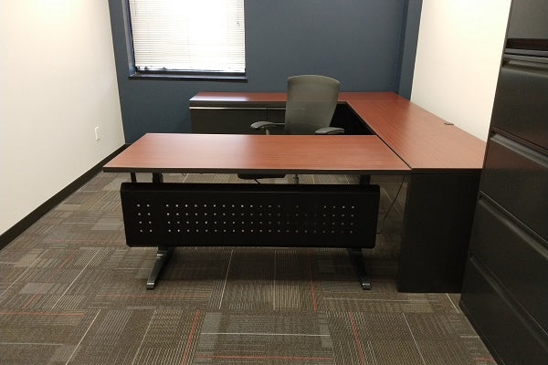 Knoll - Used U Private Office with Sit Stand