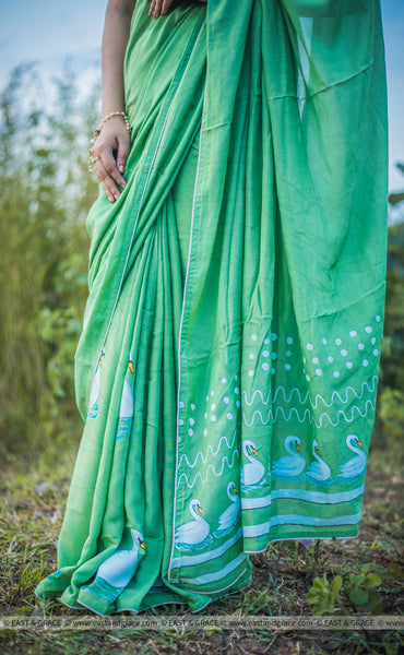 Mugdha Muslin-Cotton Hand-Painted Swans Saree