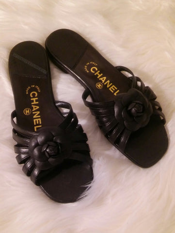 Vintage 1990's CHANEL Camellia Flower Flat Black Leather Slides Mules Sandals Women's Size 37.5 7.5