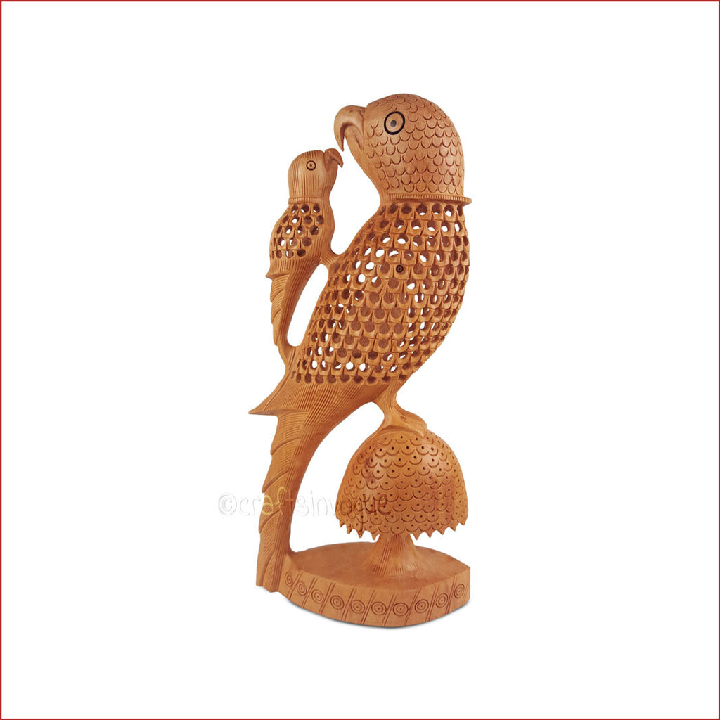 Mother's Love - Carved parrot and chick sculpture - Crafts in Vogue