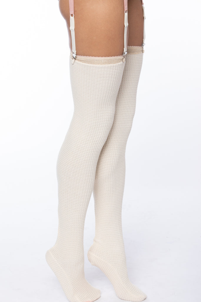 TOASTY THIGH-HIGH SOCKS