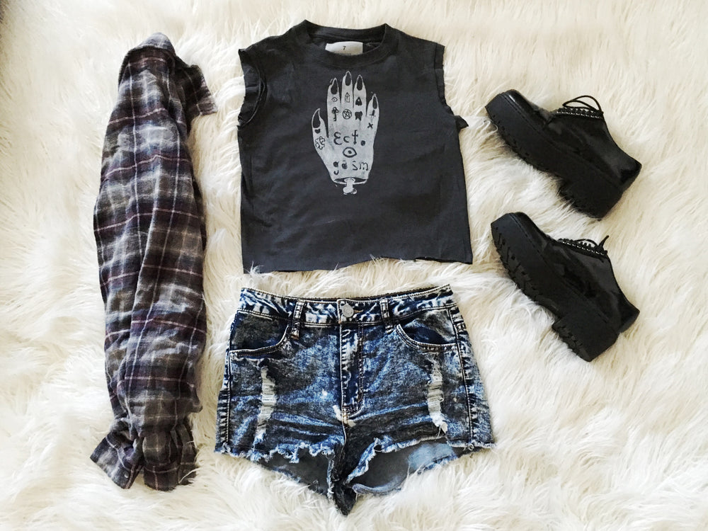 Cute Grunge Inspired Outfit for a Warm Day!