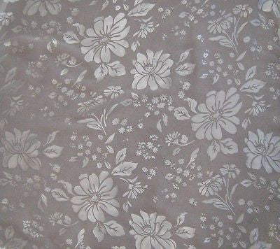 "Daisies - Devore Silk Satin (45"")"