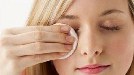 DIY [VIDEO]: The Best 100% Natural Homemade Makeup Remover