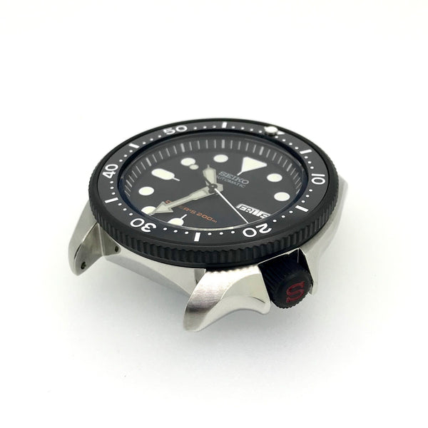 "Crown - SKX007 - Bead Blasted PVD Black - Red ""S"""