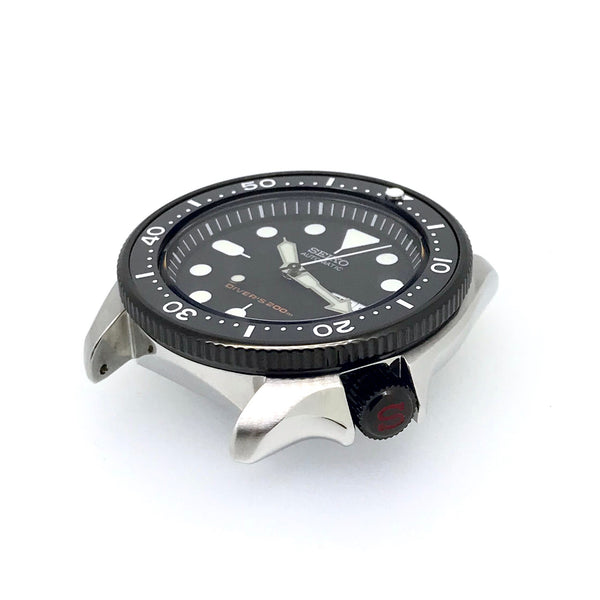 "Crown - SKX007 - Polished PVD Black - Red ""S"""
