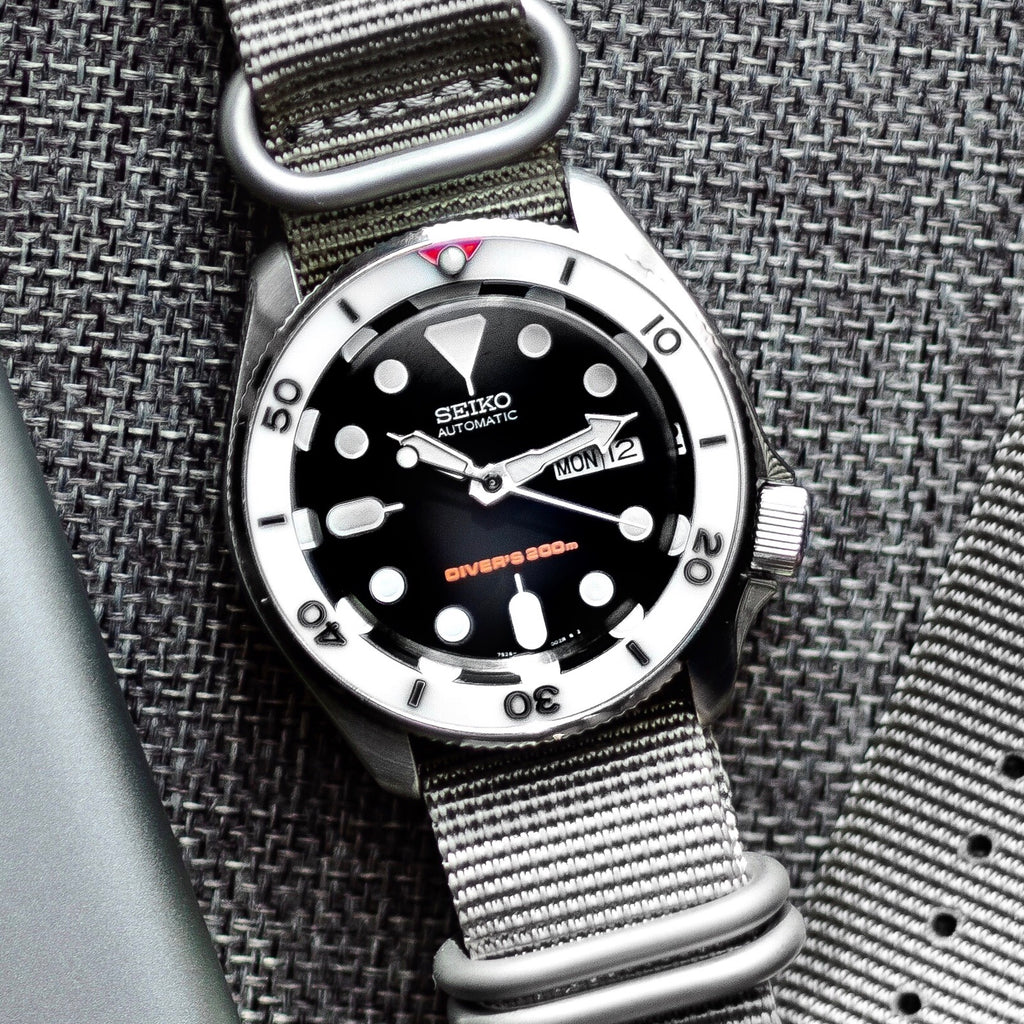Ceramic Insert - SKX Red T White