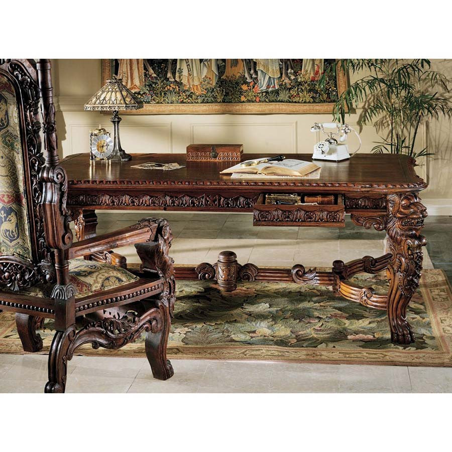 "32"" Hand-Carved Mahogany Signature Piece European Style Lord Raffles Lion Table"