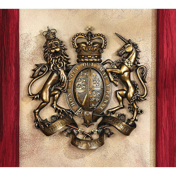 ROYAL COAT OF ARMS OF BRITAIN PLAQUE