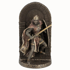 Armored Maltese Crusader With Sword And Shield Guarding Door - Bookend - Knights & Warriors
