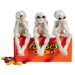 See-No Hear-No Speak-No Evil Alien Lifeform Sitting Statue Set