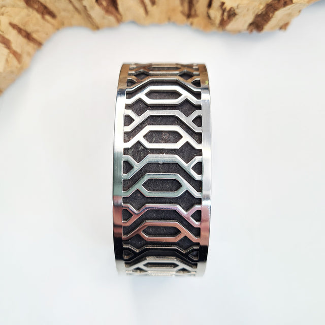 FABRIKK Interchangeable Cuff | Linear Medium | Vegan 'Leather'