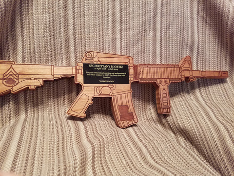 Rifle Plaque M4 w/ personalized plate - Military Plaques - Personalized - Custom Military Plaques - Larry's Woodworkin'