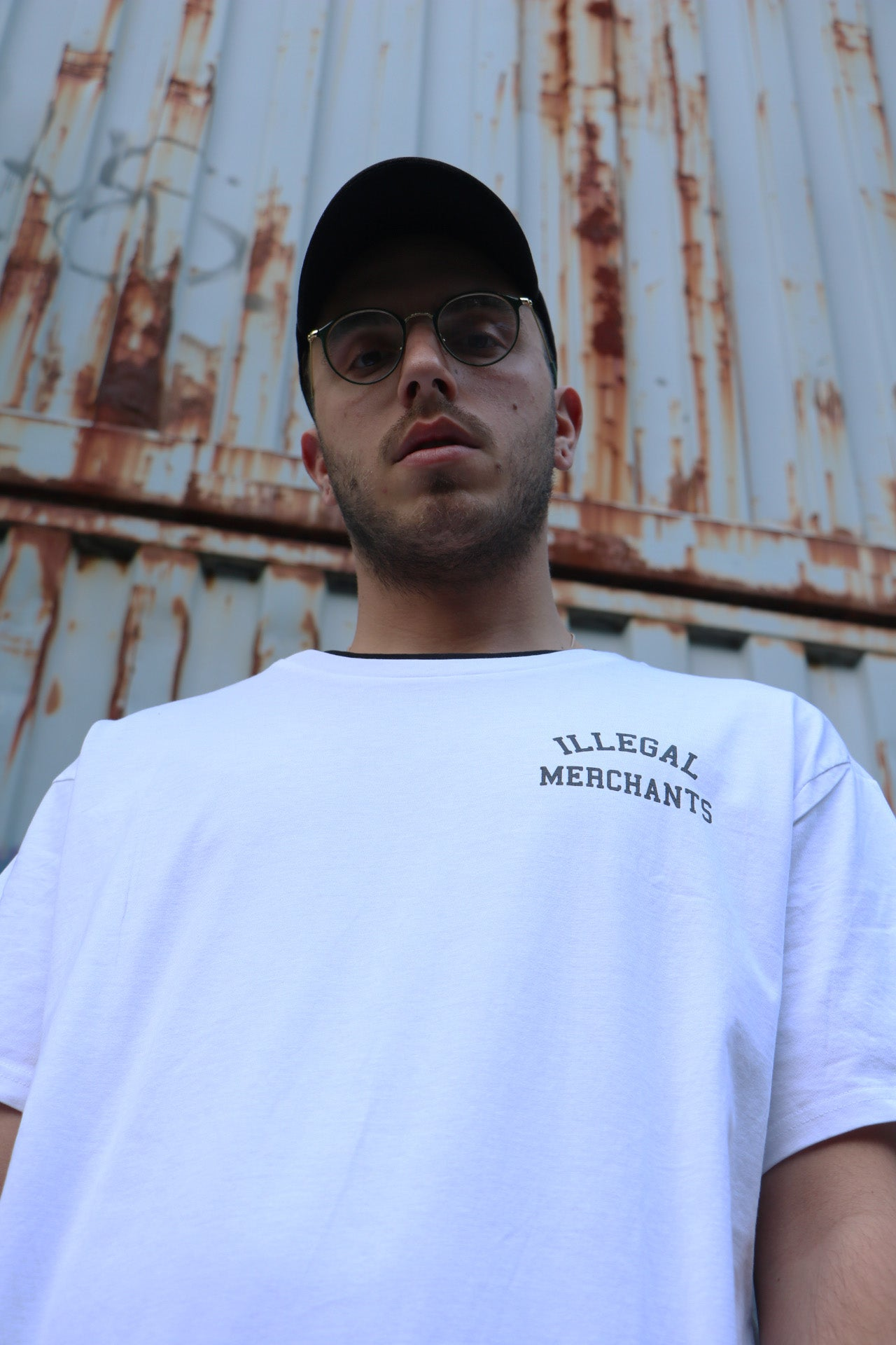 ILLEGAL MERCHANTS TEE V4NY