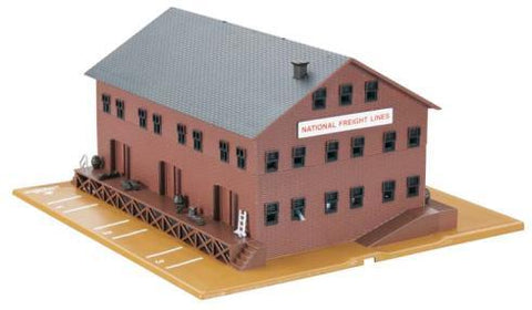 BACHMANN Freight Station w/Steam Whistle (BAC46902)