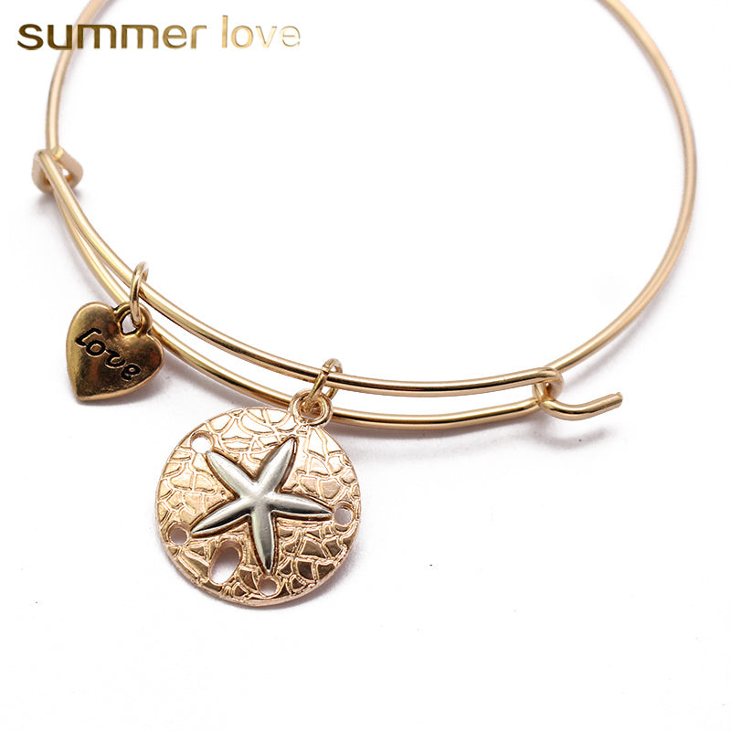 A pretty starfish love-heart bracelet, so fashionable.