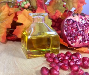 9 Reasons Why Your Skin Loves Pomegranate Seed Oil