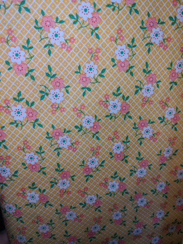 1930's Playtime Yellow w/Pink and White Flowers