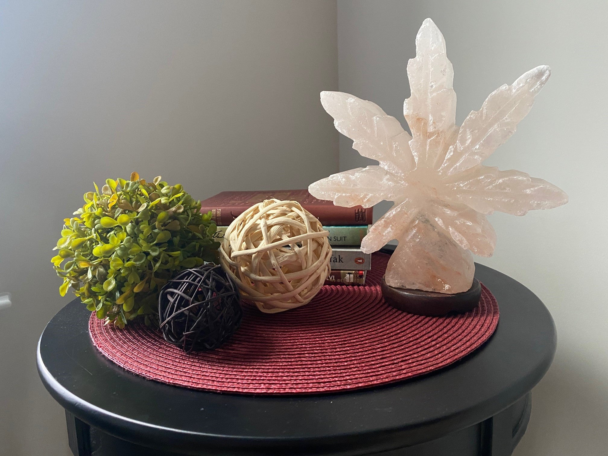 Himalayan Salt Hemp Leaf Lamp