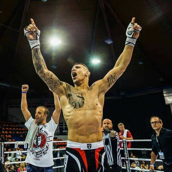 Alexandar Rakic makes his way to American Top Team