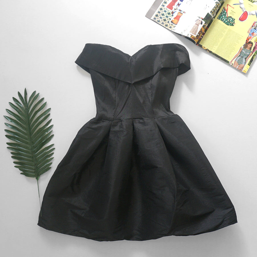 Samantha black party dress *Petite