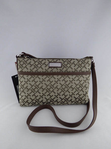 05e59d0f57 TOMMY HILFIGER EW CROSS BODY BAG 6933805 272 – www.AuthenticBags.Com.Ph