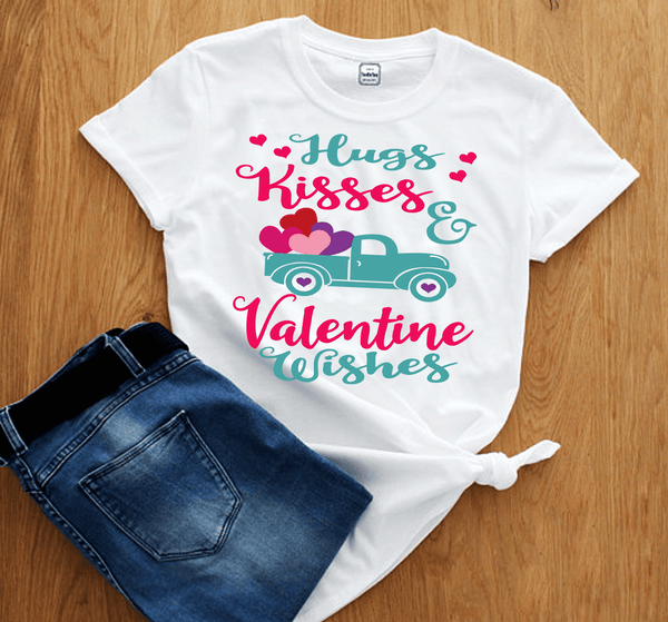 """HUGS KISSES & VALENTINE  WISHES."", T-Shirt."