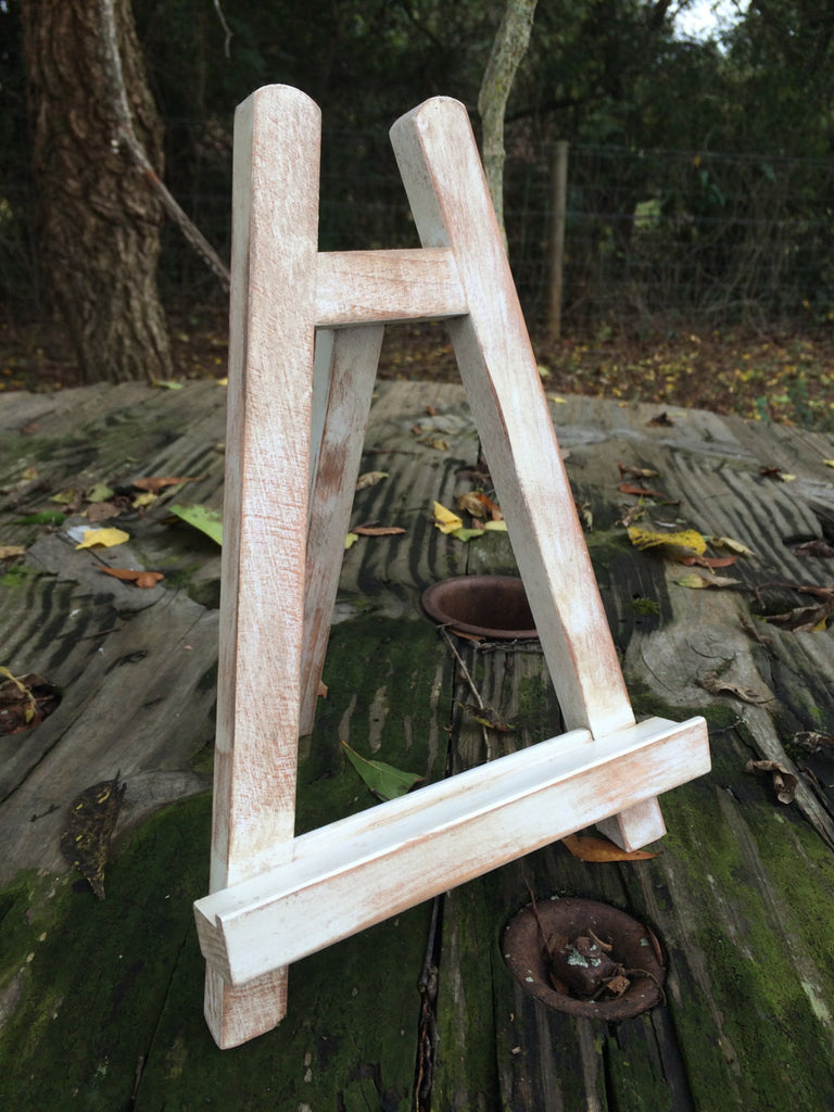 Small Distressed Table Top Easel