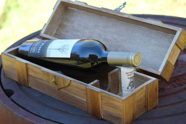 Personalized Lockable Wine Box