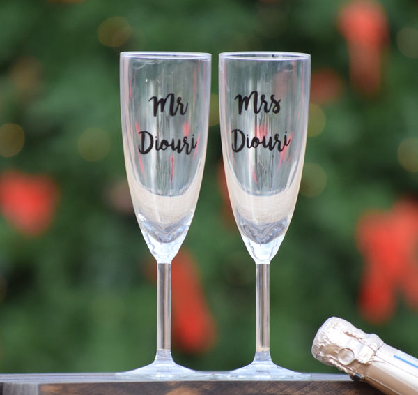 Personalized Set of 2 Wedding Toasting Flutes