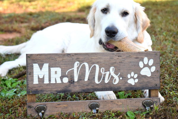 Mr and Mrs Key & Leash Holder