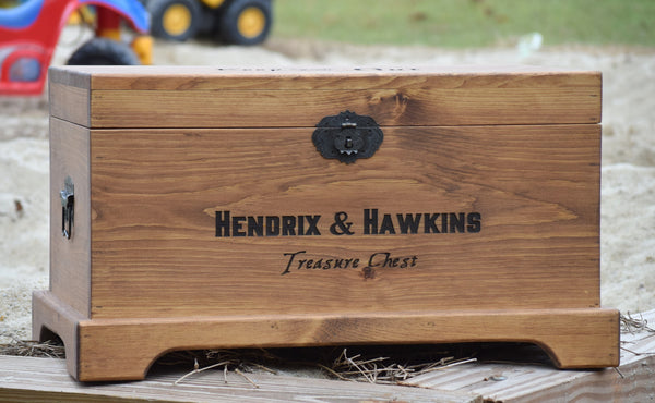 Lockable Personalized Toy Box With Front and Lid Engaving