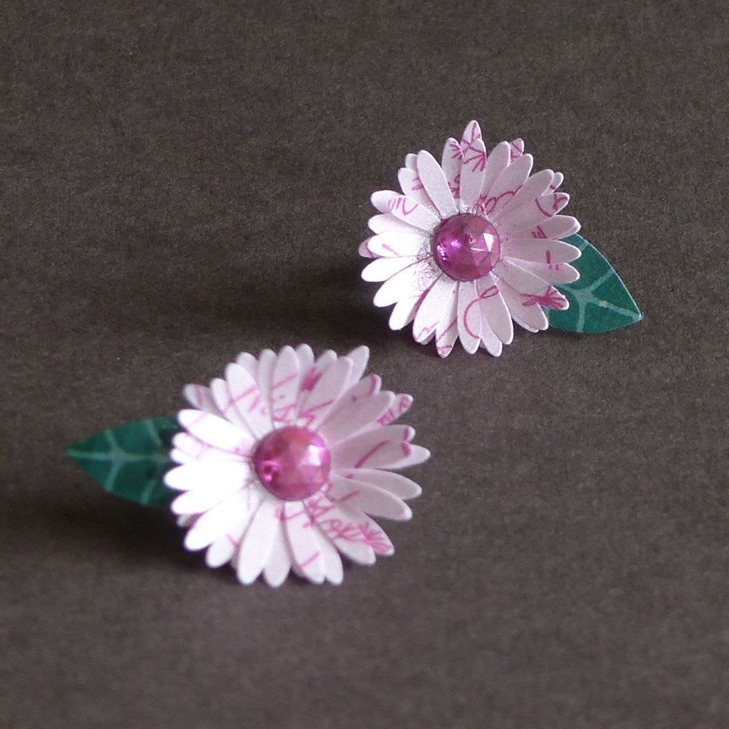 essay on daisy flower Facts on african daisy flowers, including biology of the african daisy plant, growing and care tips with pictures and recommended african daisy bouquet to buy and send.