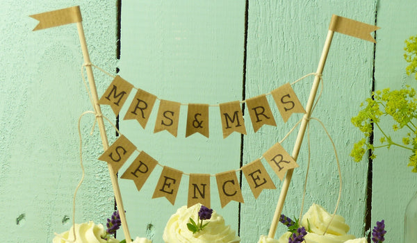 Mrs & Mrs wedding decorations